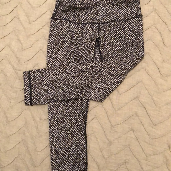 f2a83a53441d7 lululemon athletica Pants | Lululemon Black White Patterned Leggings ...